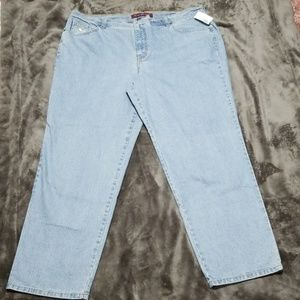 GLORIA VANDERBILT STRAIGHT LITE WASH STRETCH JEANS